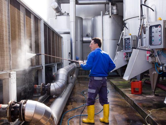 czyszczenie maszyn przemysłowych